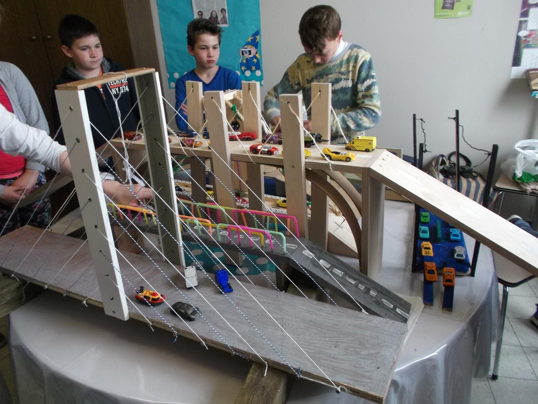 Bruggen bouwen in 6B
