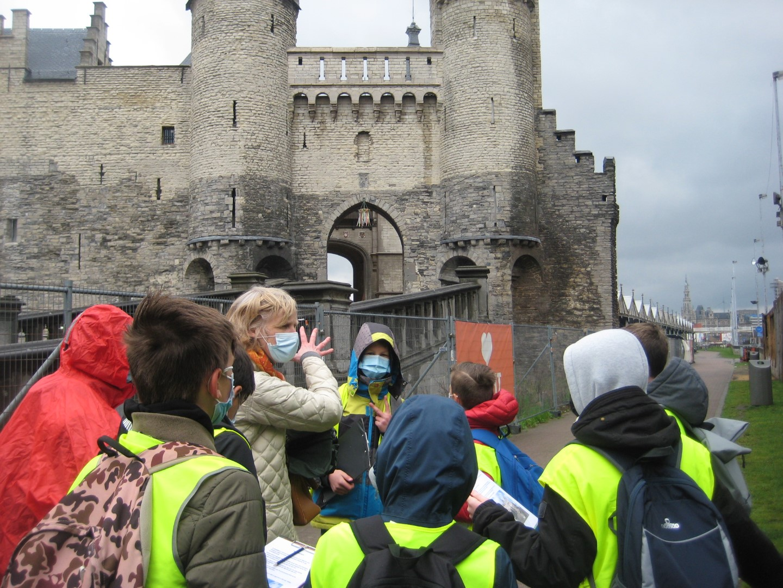 6A bezoekt Antwerpen